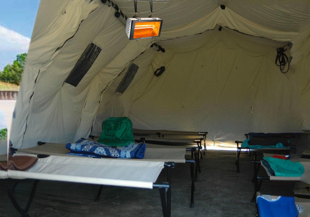tenda della protezione civile riscaldata da una lampada a raggi infrarossi helios tent di Star Progetti