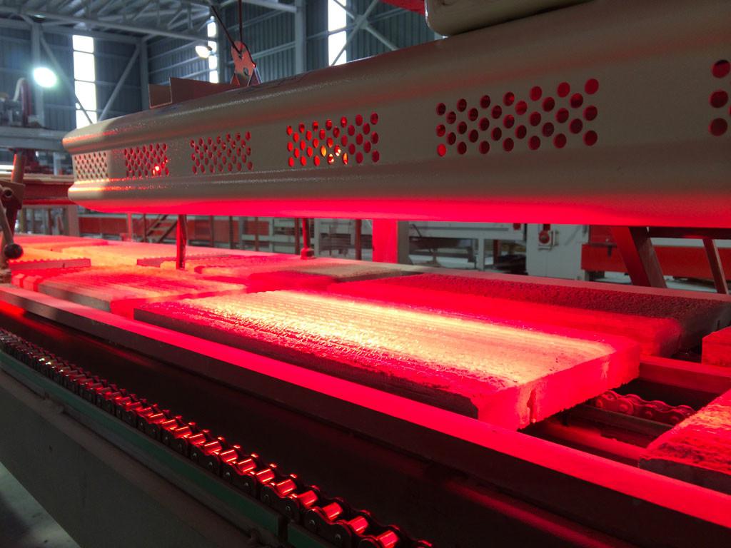 riscaldatori elettrici a raggi infrarossi helios radiant di star progetti utilizzati per l'asciugatura dei materiale all'interno di un processo produttivo