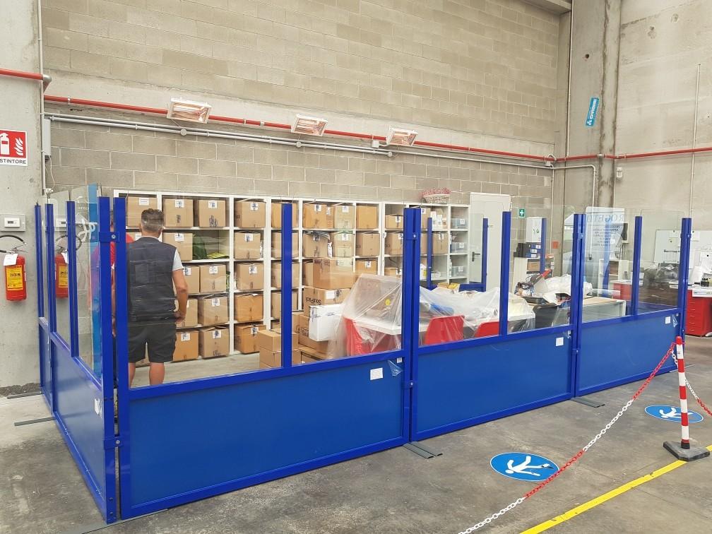 pareti divisorie stile industriale in alluminio e vetro